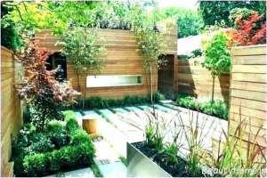 تزئین حیاط