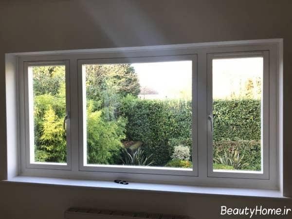 پنجره ساختمان ساده