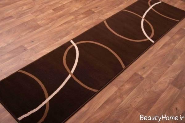مدل قالیچه شیک و قهوه ای برای راهرو
