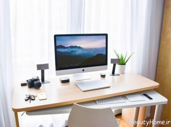 تزیین ساده میز مطالعه