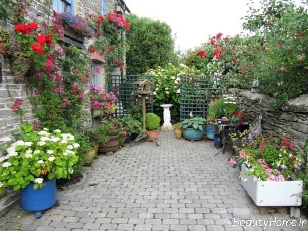 تزیین باغ با گلدان های زیبا