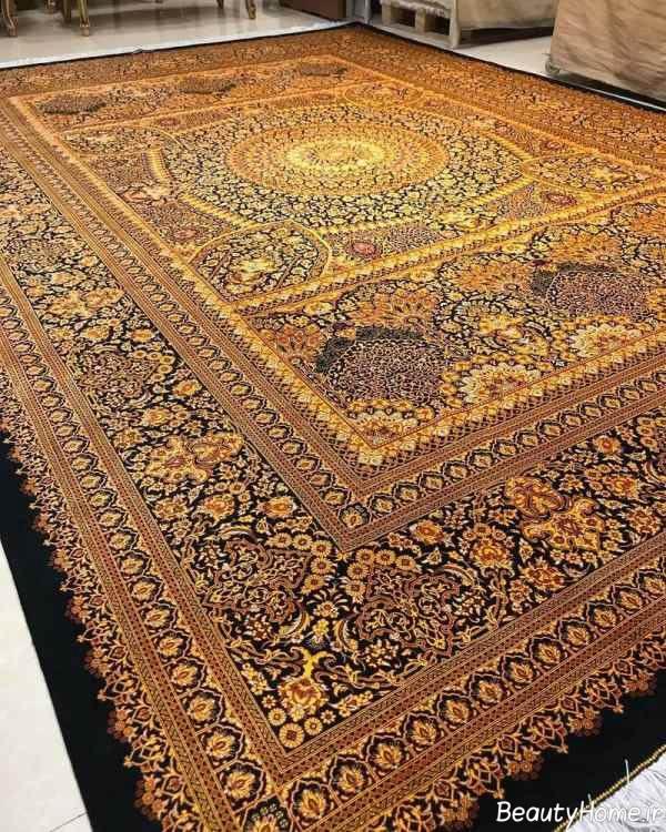 فرش رنگ روشن ایرانی