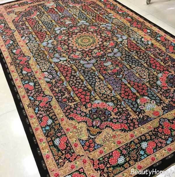 فرش ایرانی طرح دار