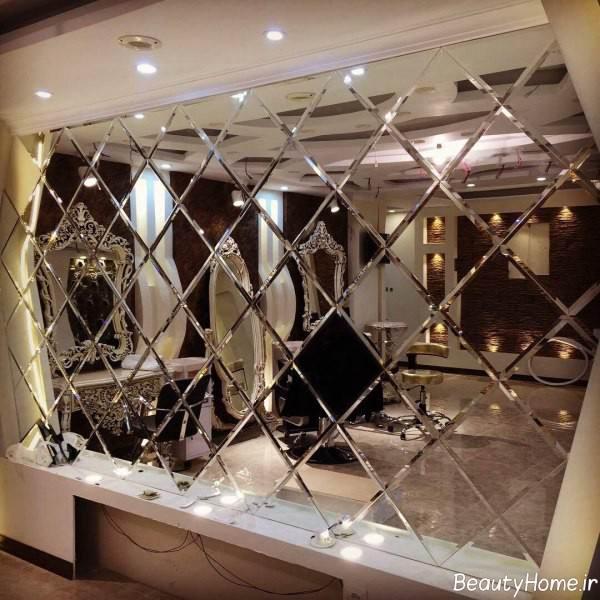آینه کاری روی دیوار پذیرایی
