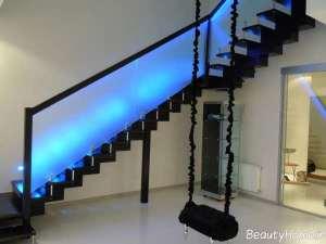 نورپردازی شیک و ساده برای پلکان منزل