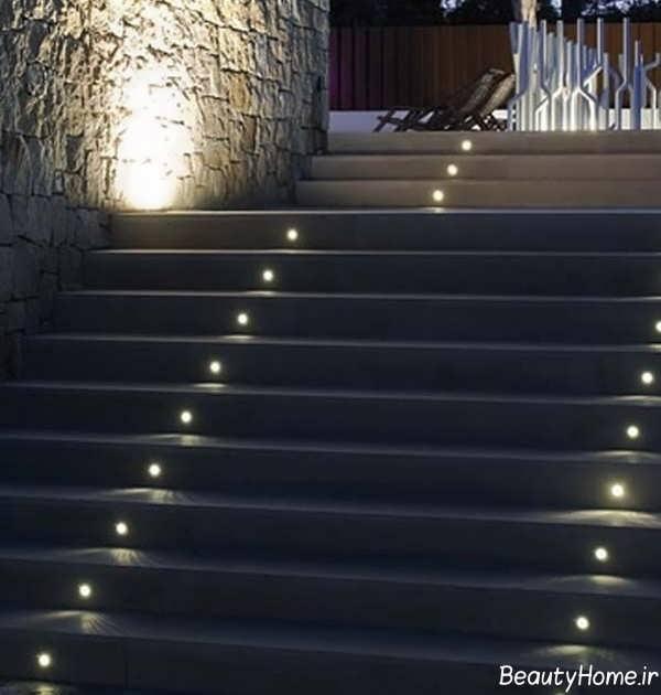 نورپردازی راه پله حیاط