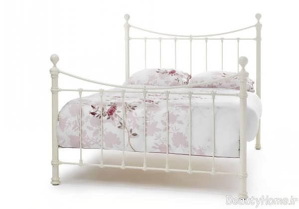 تختخواب ساده و فلزی