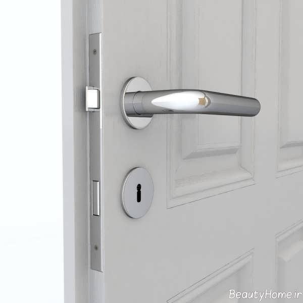 دستگیره درب نقره ای