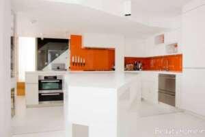 کابینت سفید مخصوص آشپزخانه