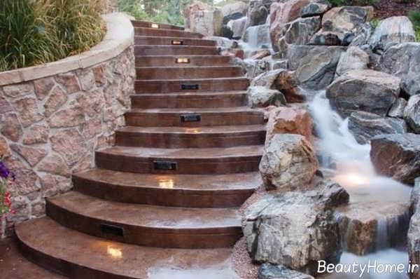 پله مخصوص حیاط
