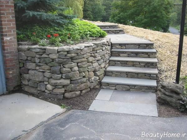 پله سنگی حیاط