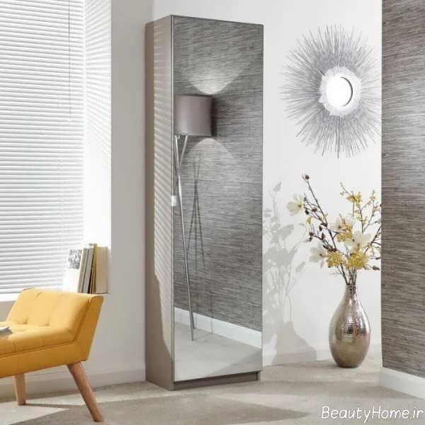 جاکفشی سفید و آینه ای