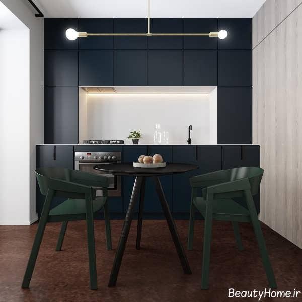 طراحی داخلی آشپزخانه خطی با رنگ تیره