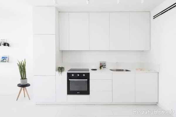 دکوراسیون داخلی آشپزخانه خطی و سفید