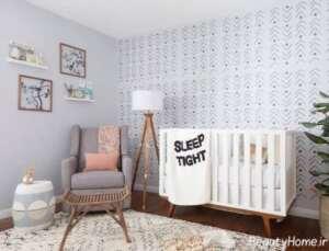 دکوراسیون اتاق نوزاد کوچک با رنگ روشن