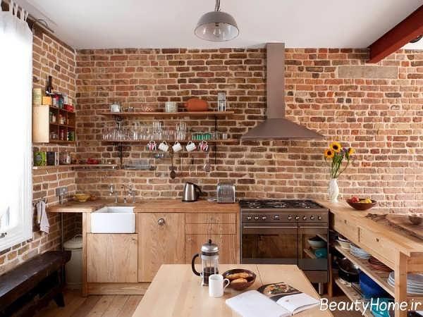 طراحی شیک آشپزخانه با دیوار آجری